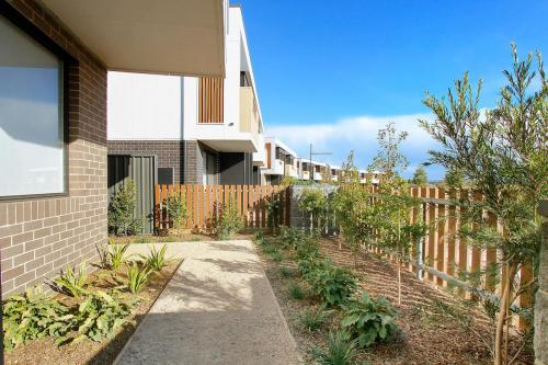 Stockland-Schofields-front-yard