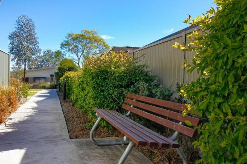 Wentworth-Housing-Fragar-Rd-garden-seat